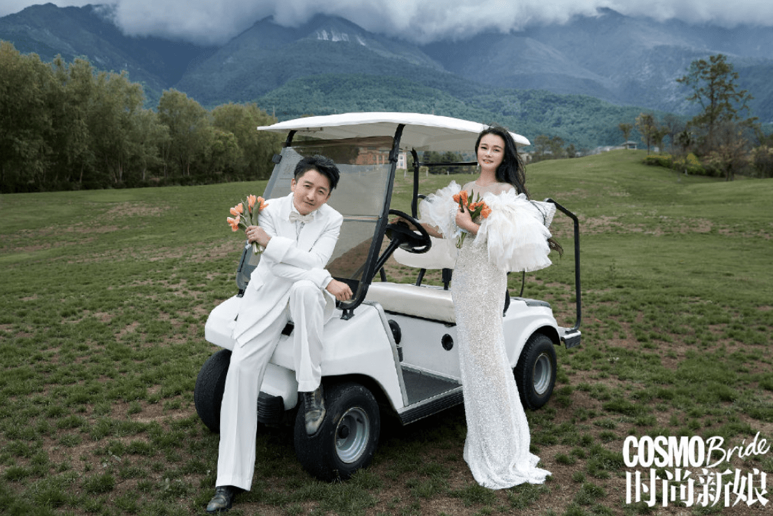 邹市明夫妇拍写真庆祝结婚十周年,冉莹颖身材丰腴,大片画风唯美