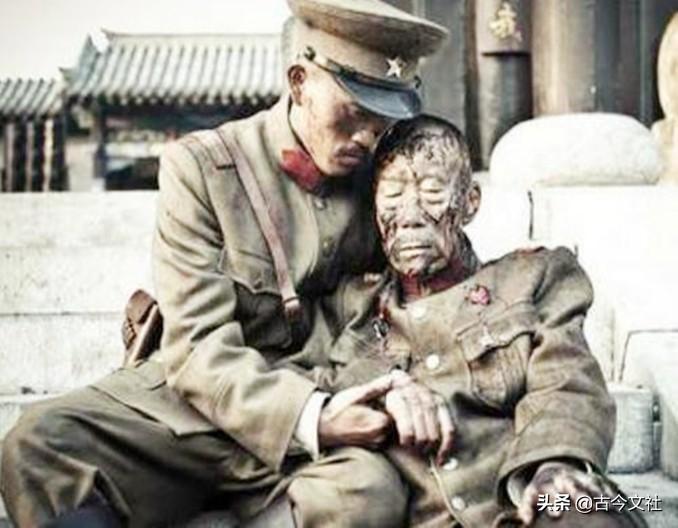 国家花钱送他留学,回国后第一个劝张学良不抵抗,母亲自杀殉国