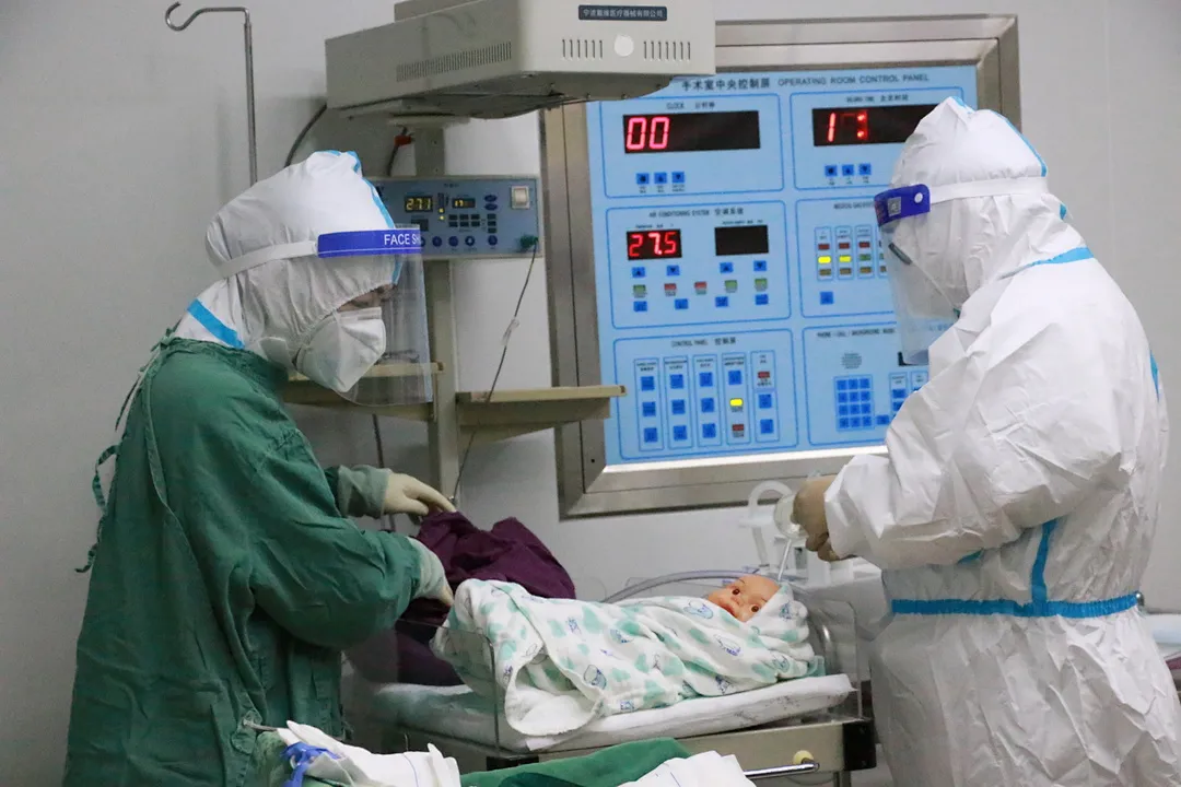 强化医务技能培训 严密织牢疫情防线!长汀妇幼开展模拟接诊中高风险地区孕产妇及儿科患者应急演练…