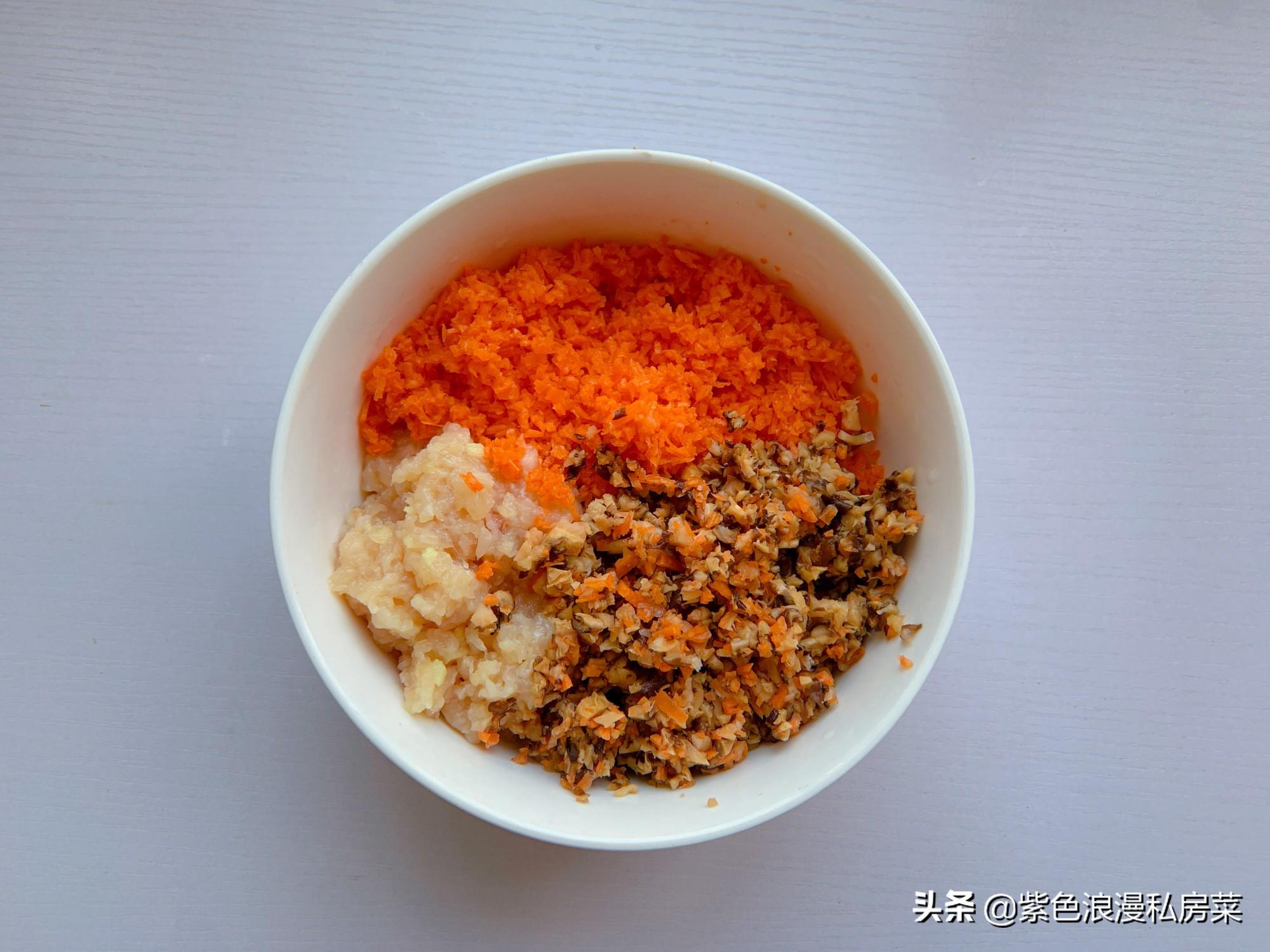 餛飩皮新吃法,搭配雞肉和蔬菜,低脂美味特解饞,減肥也能大口吃