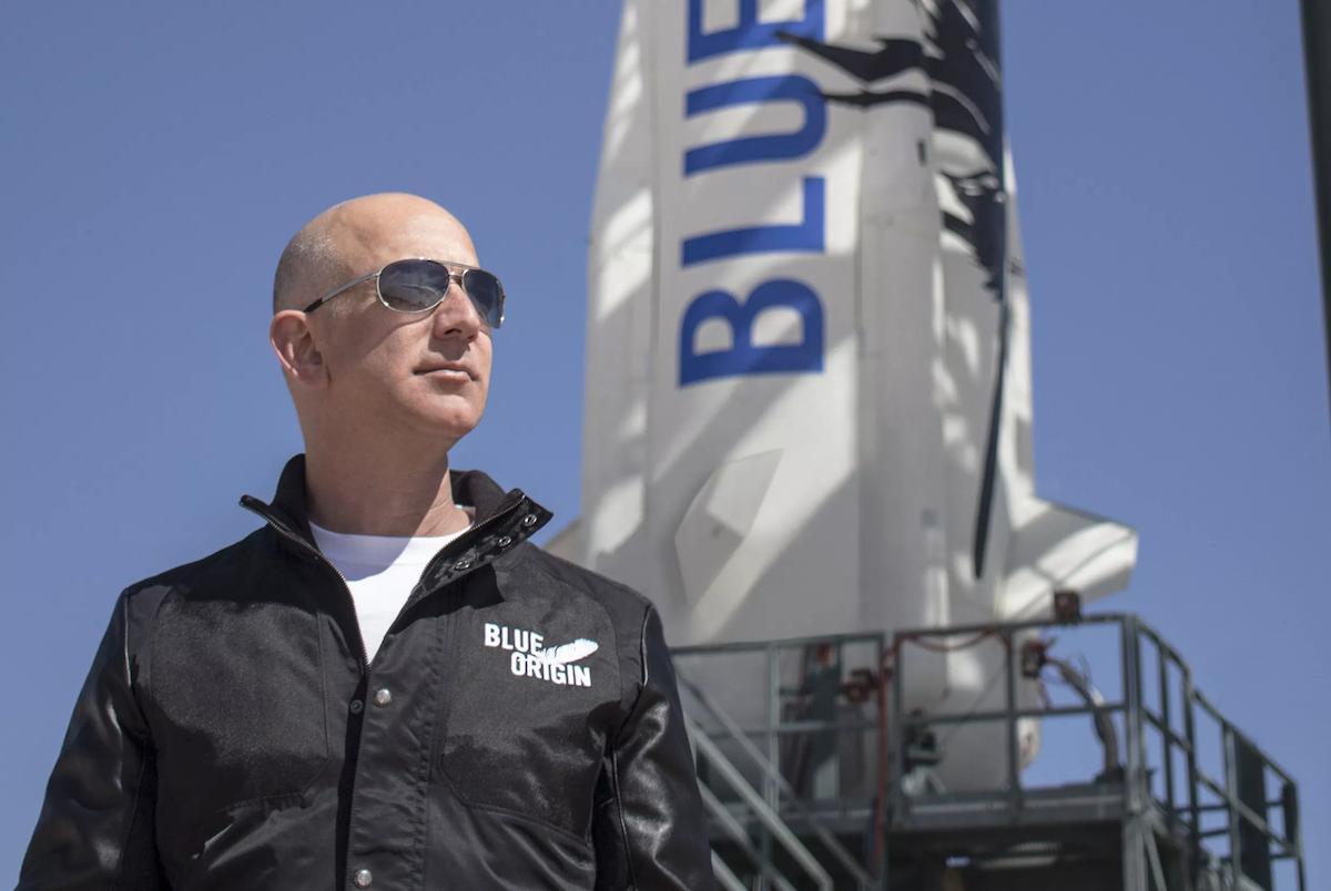 贝索斯卸任亚马逊CEO,前全球首富要去太空,让继任者去上云