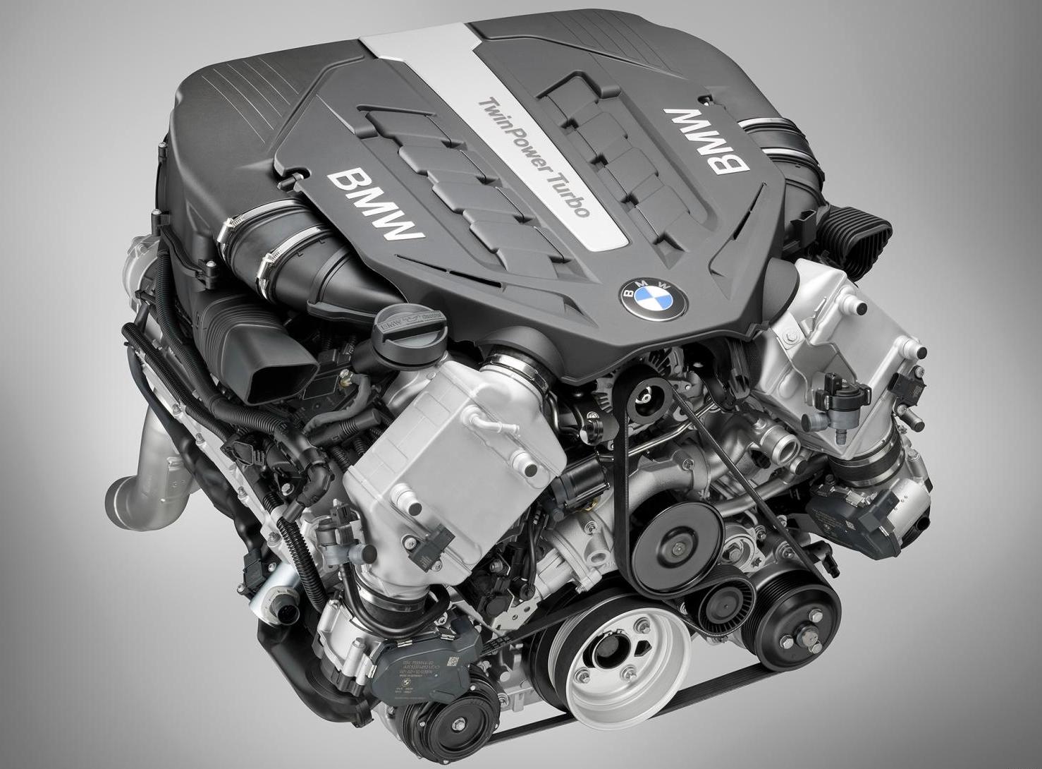 匹配燃油、混动、电动,全新宝马7系动力参数曝光