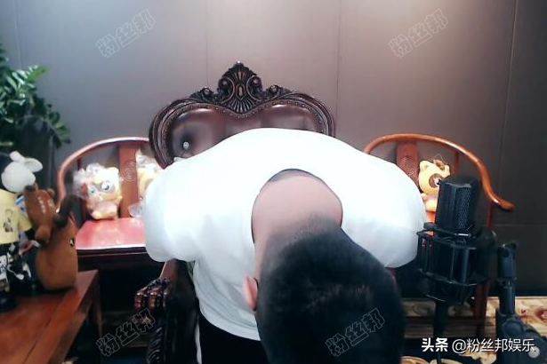 "YY直播一哥于利""退了"",摘下娱乐主播的帽子,功成名就宣布退网"