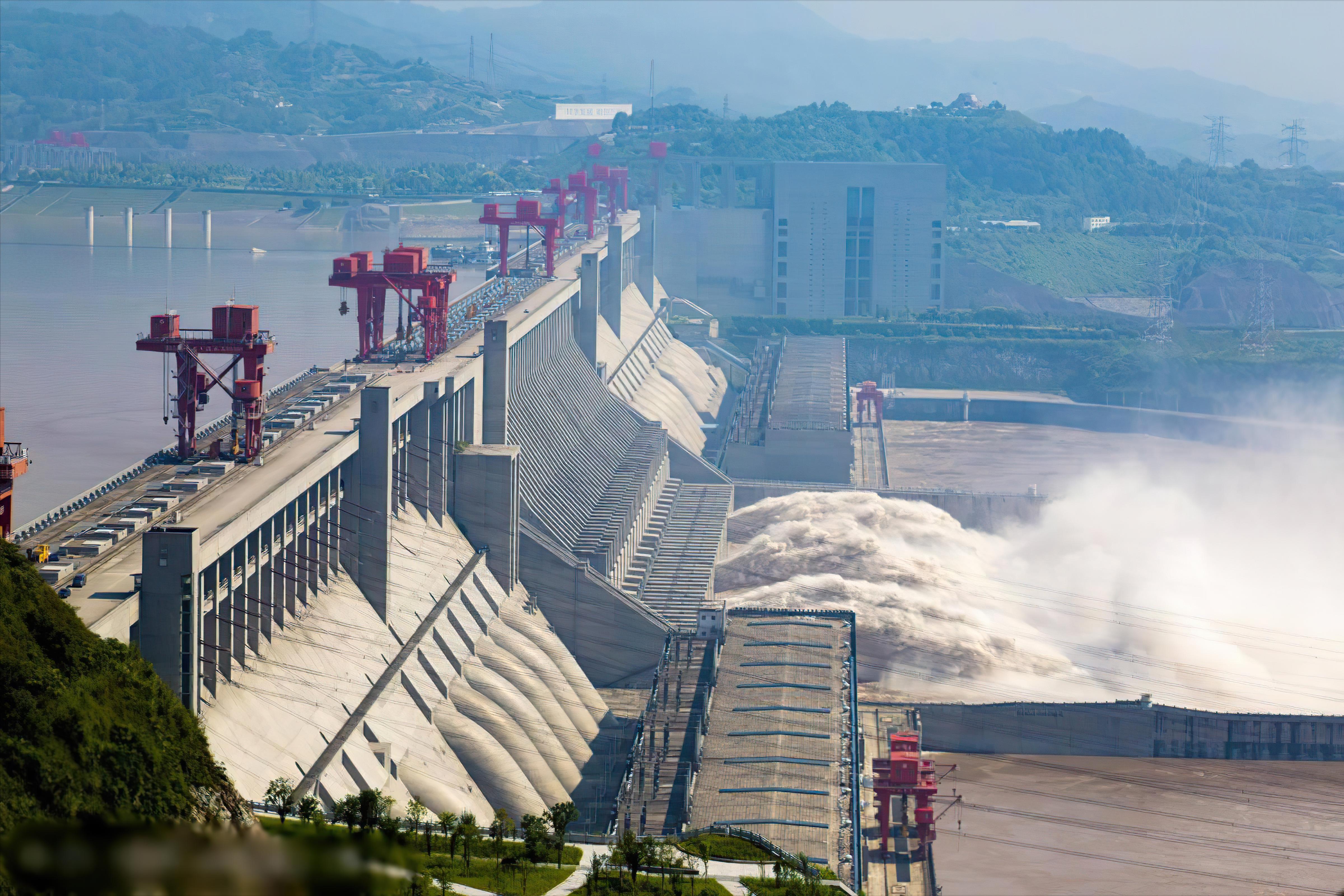 外媒威胁炸毁三峡大坝,可行吗?有多少军事力量在保护三峡?