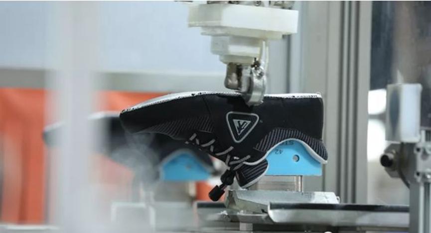 足力健老人鞋荣获260项国家专利