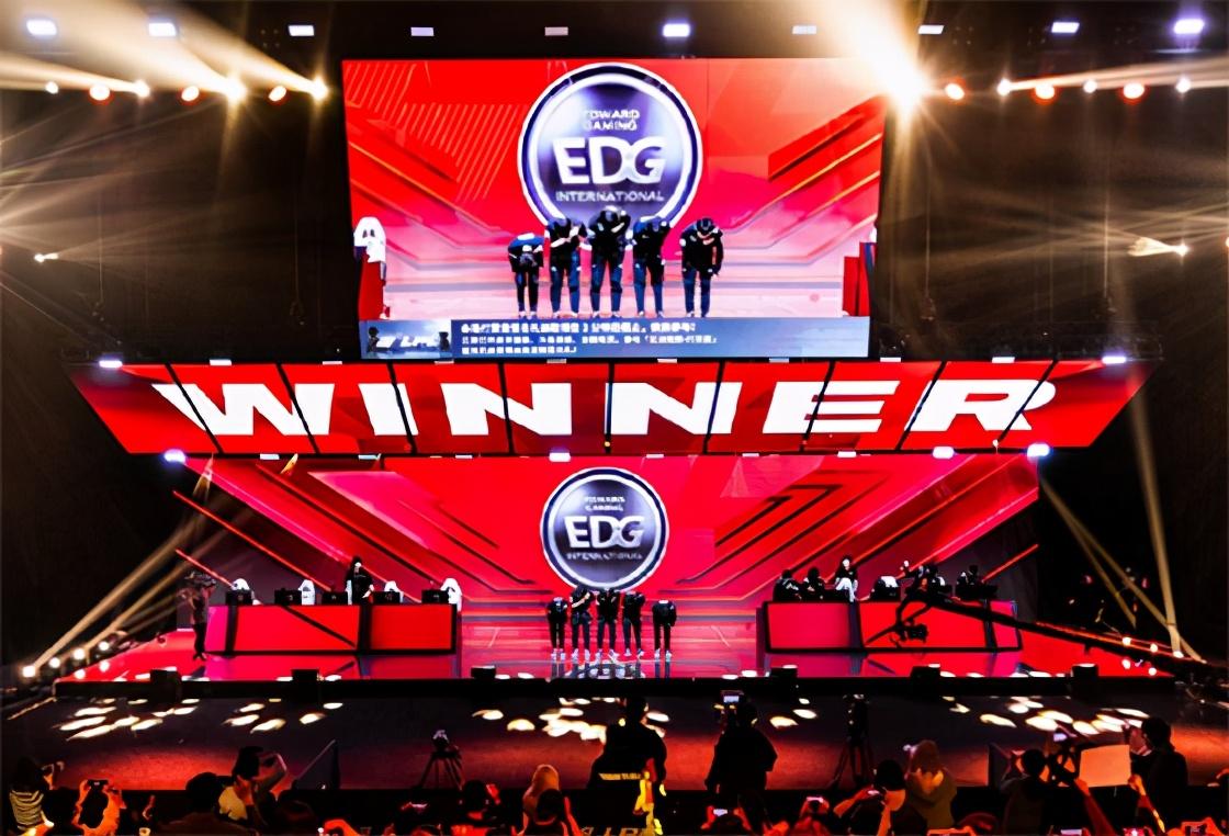 LOL:韩网热议EDG 3-0 TES,花大钱买人才是硬道理