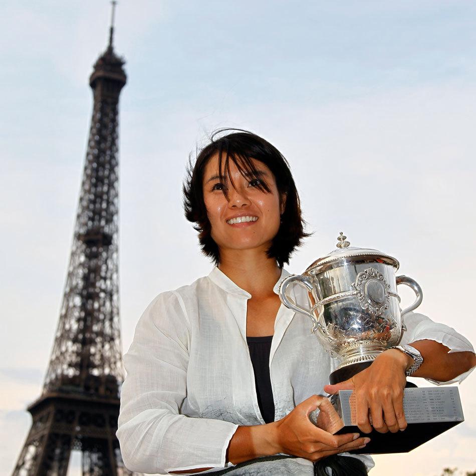 李娜的故事:亚洲首个网球大满贯得主,被老公宠上天,十分幸福