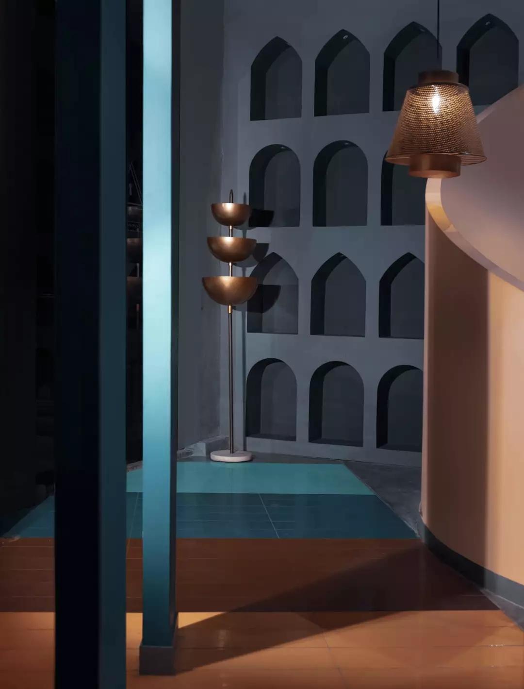 游戏主题酒吧餐厅,不仅空间设计独特而且趣味性十足