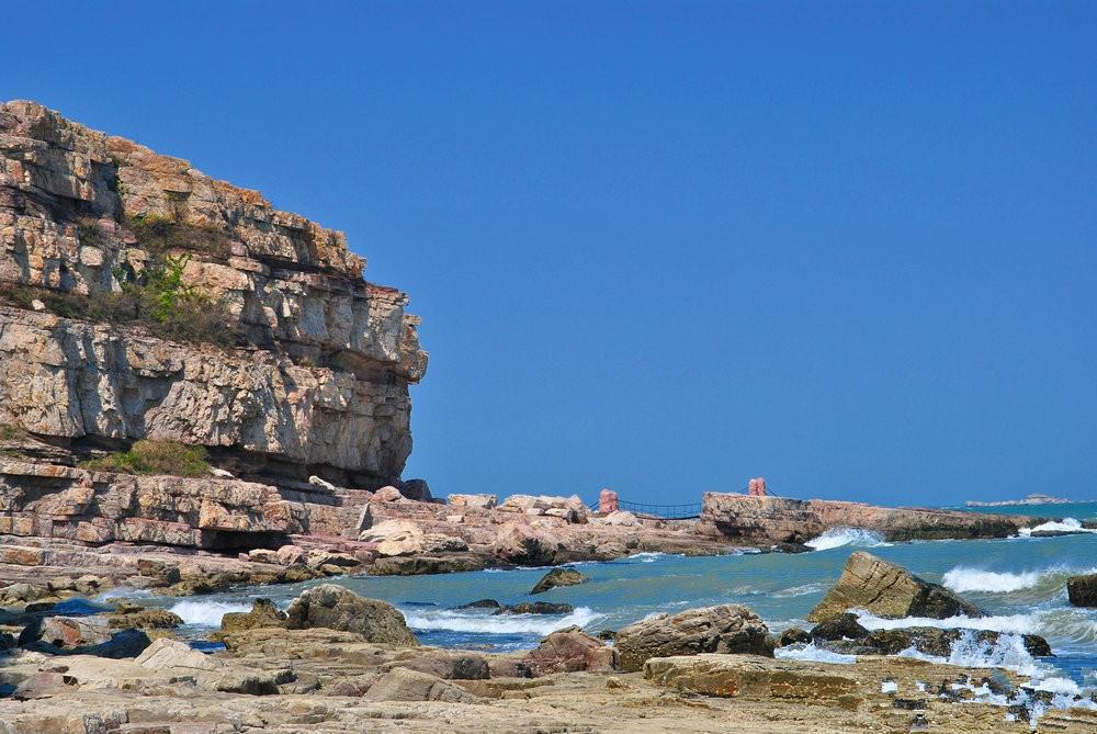 烟台有一座长岛,四面环海风光秀丽,就是海鲜有点贵了