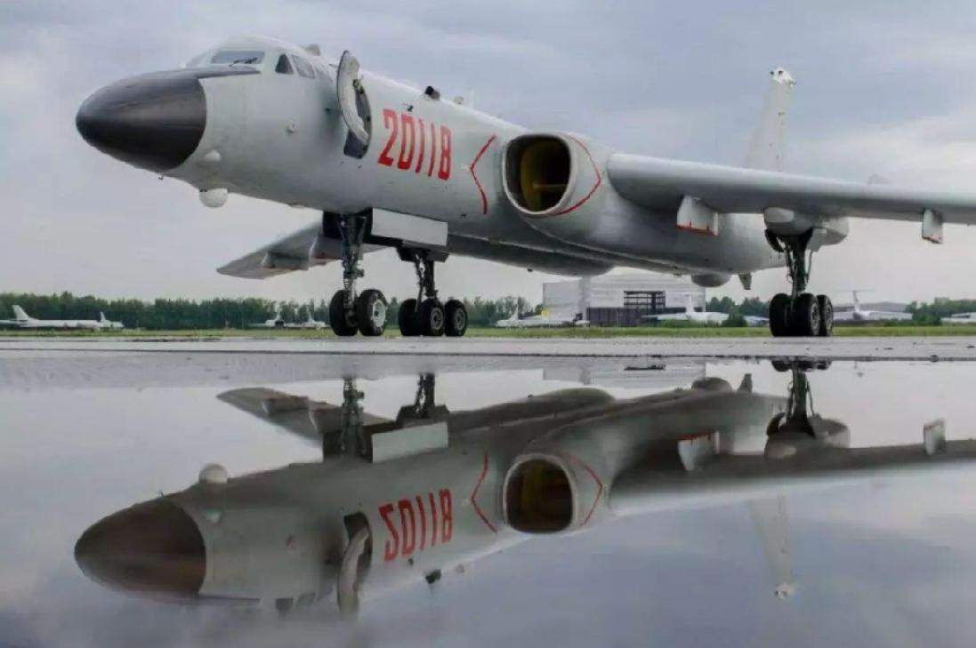 解放军机群模拟导弹攻击美航母?中国专家关键发问:美国人怎么知道的?