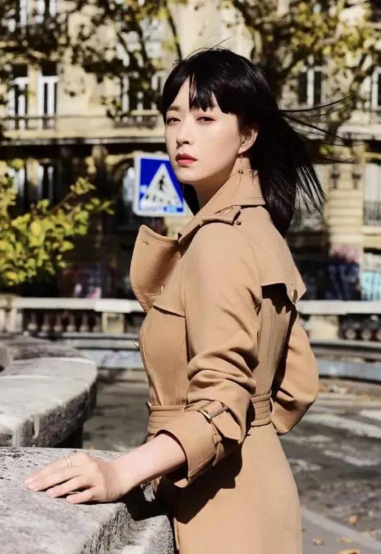 """37岁蒋欣瘦身成功,告别粗壮身材,成为真正的""""微胖女神"""""""