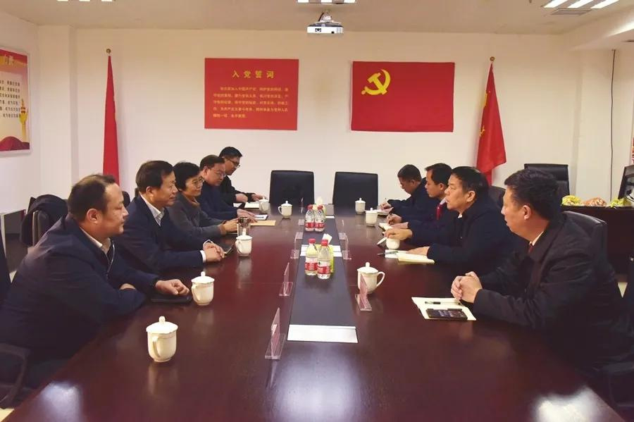 省检察院党组成员、副检察长阎兴振走访驻鹤壁全国、省人大代表