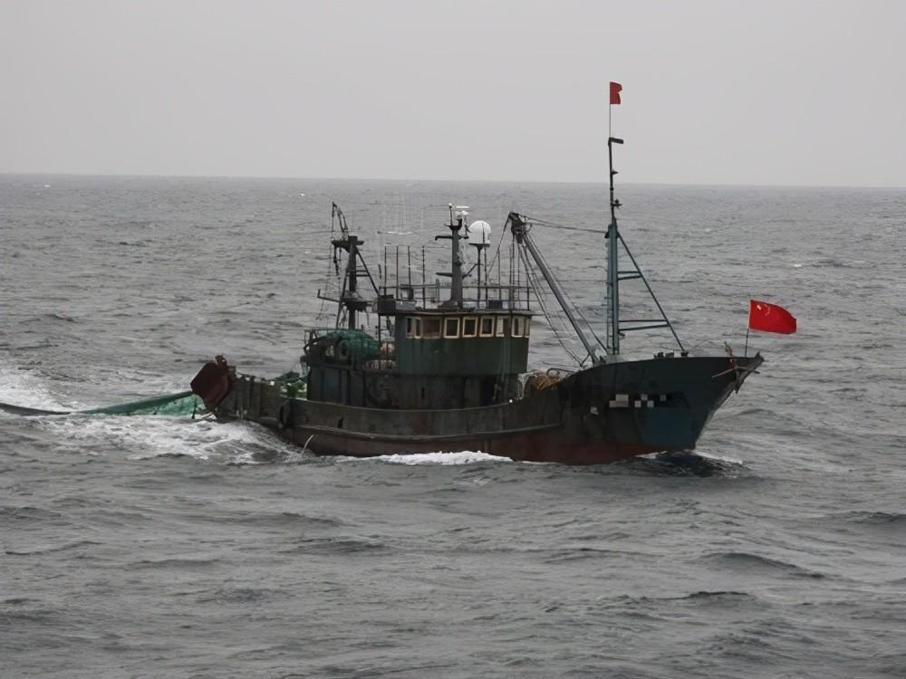 江苏渔民再立大功,捕获美国新型无人波浪船,能奖多少钱?