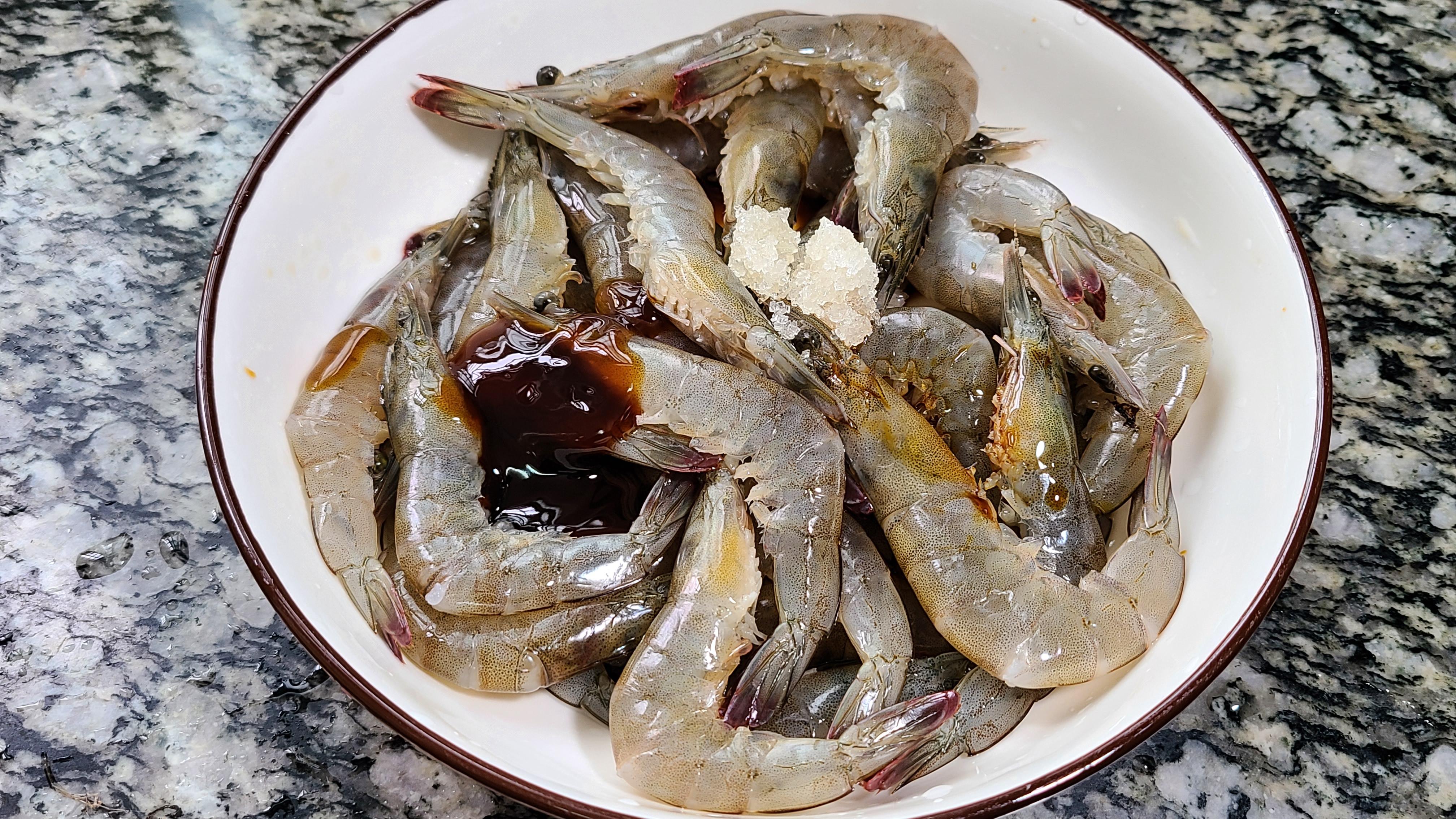 焗大蝦,又香又好吃的一道廣東美食,學會給家人露一手