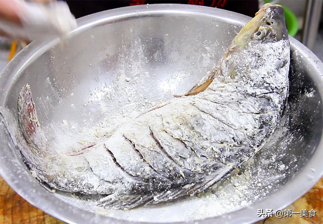 厨师长教你做家常红烧鱼,学会这些技巧,不破皮不粘锅,味道鲜美 美食做法 第6张