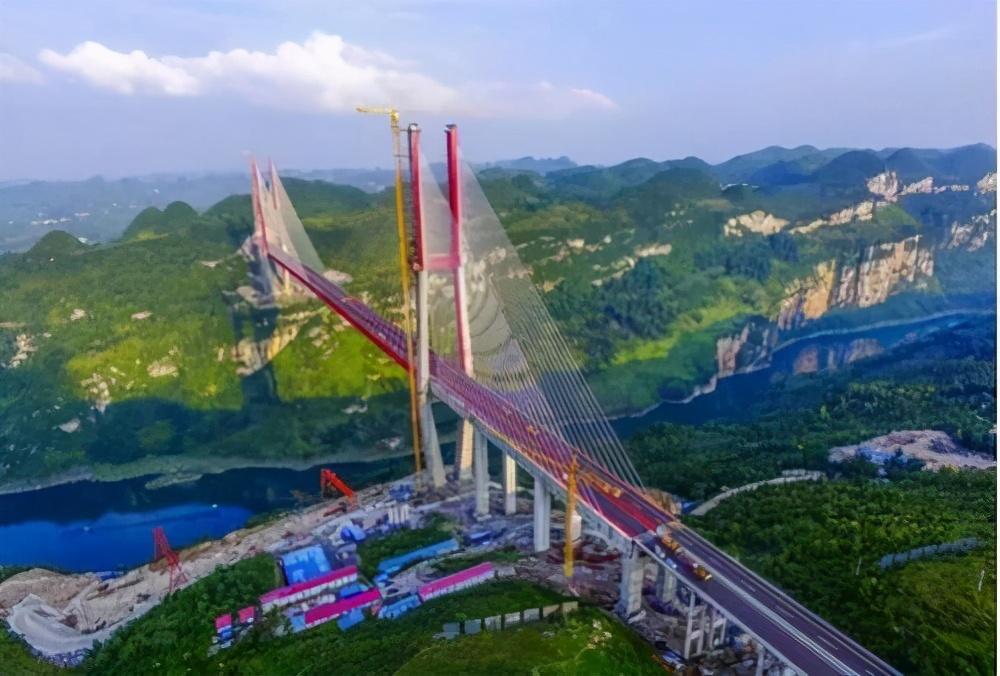 """中国又一""""世界大桥"""",数万名车主违停看桥,交警都罚不住"""