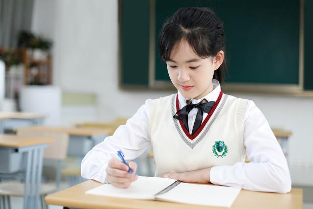 9月1日开学,家长再也不用担心孩子的接送,教育部推行5+2模式