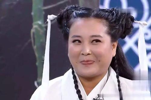 贾玲身处娛樂圈,明星都很注重身材,爲何賈玲不減肥呢?