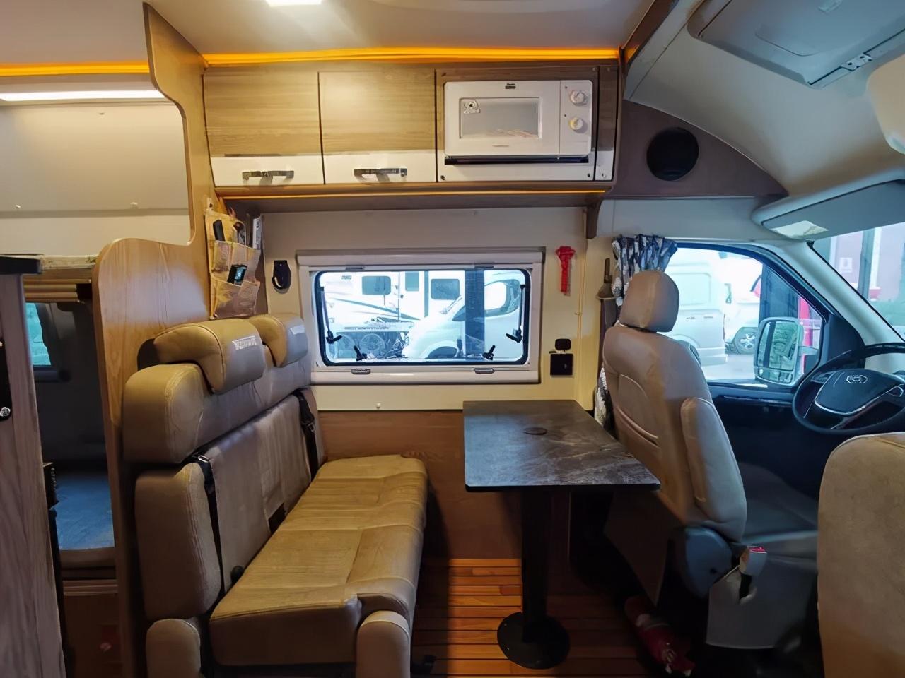 经典无中门 空间魔术师,卫航大通V570客户定制款B型房车