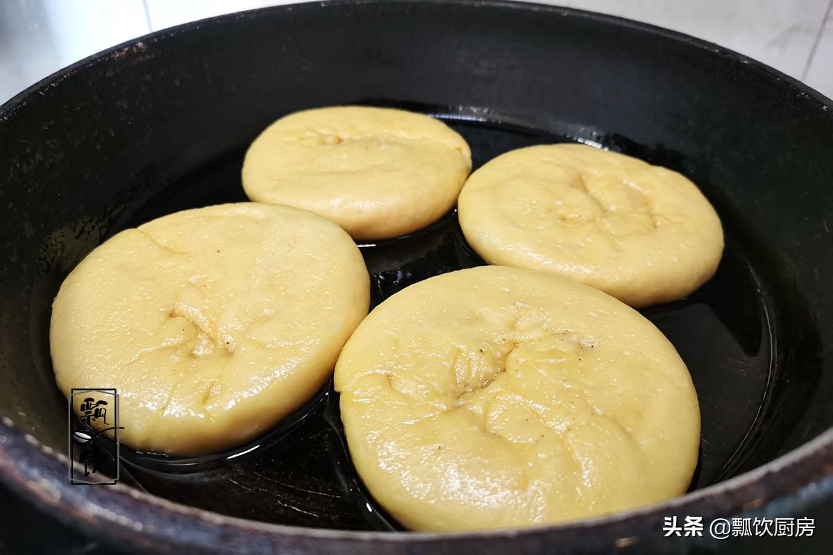 做烧饼别用水,这做法,皮酥里软,喷香,空口能吃撑,比面包都香
