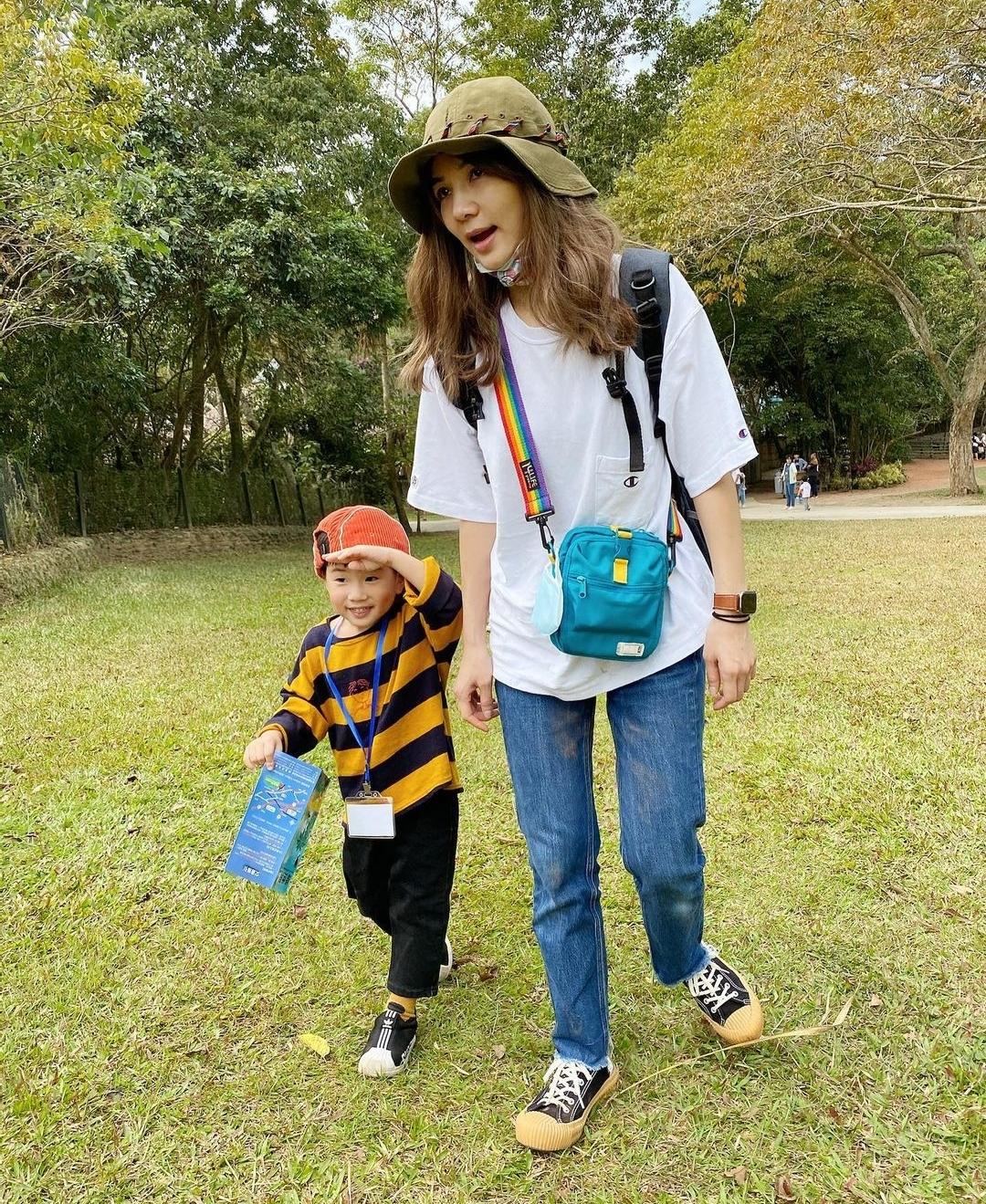 Ella曝光生產過程後,和老公陪兒子參加親子旅遊,直呼很治愈