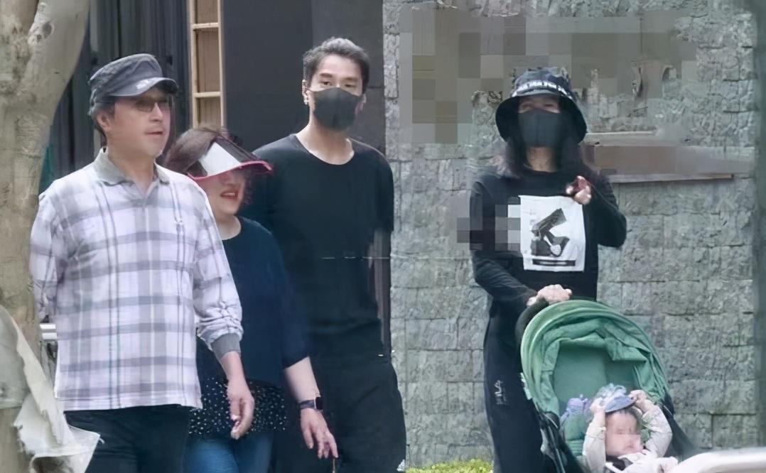 """高圆圆复出拍戏演宋美龄,搭档""""宋庆龄""""李小冉,花絮照气质超群"""