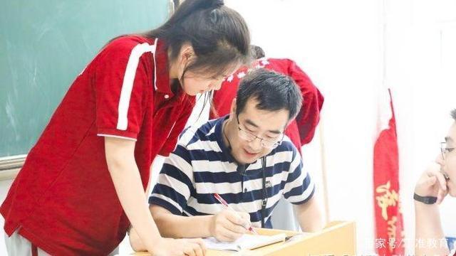 新高考形势下,哪些因素导致了复读生在高考竞争中的处在劣势?