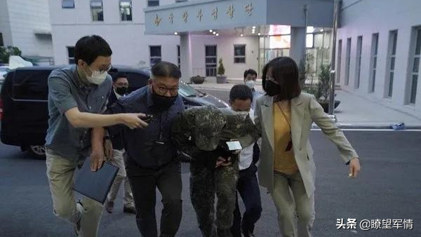 韩国军营之乱:女兵被性侵自杀,男兵大搞同性关系被查