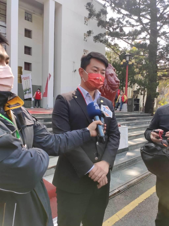 民進黨做陳柏惟罷免民調,羅智強諷:想吃萊豬的會投反對票