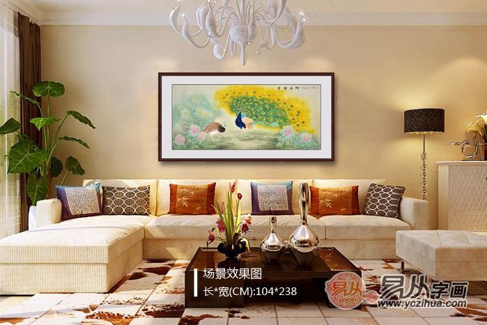 客厅挂什么画合适?一幅手绘花鸟画,就能点亮整个客厅