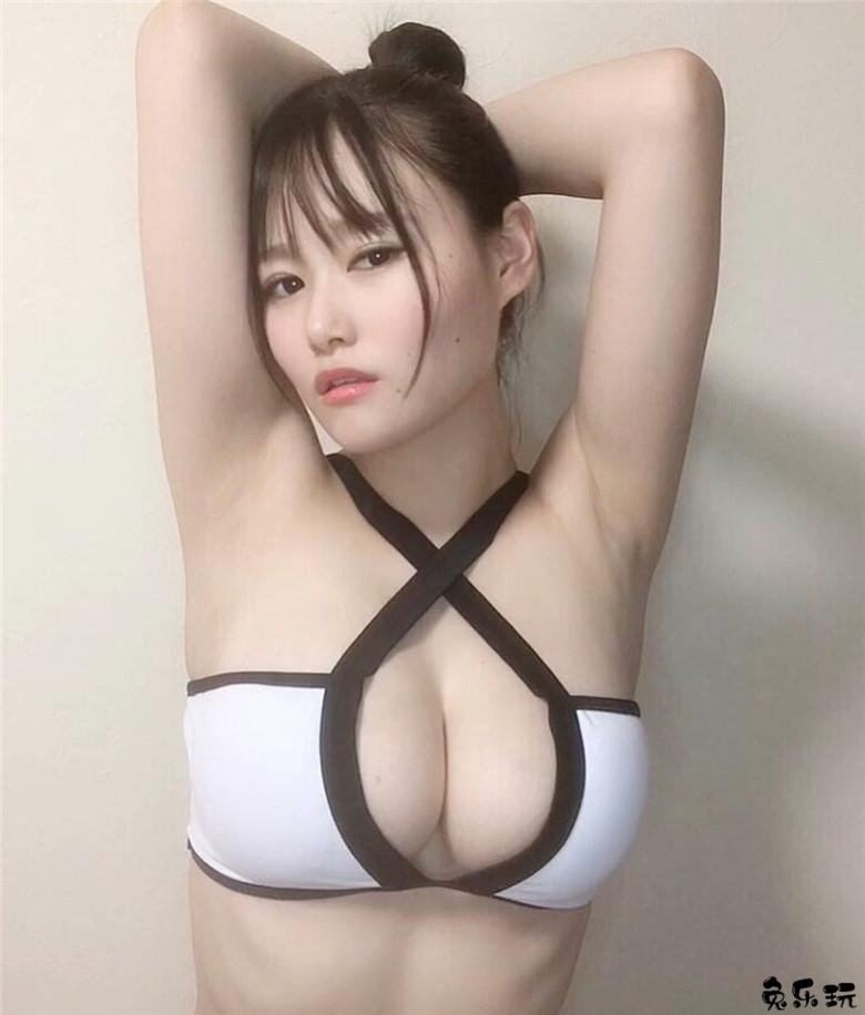 写真界天才!有着舞蹈梦想的H级大大的东坂みゆ因太大开发新的领域!