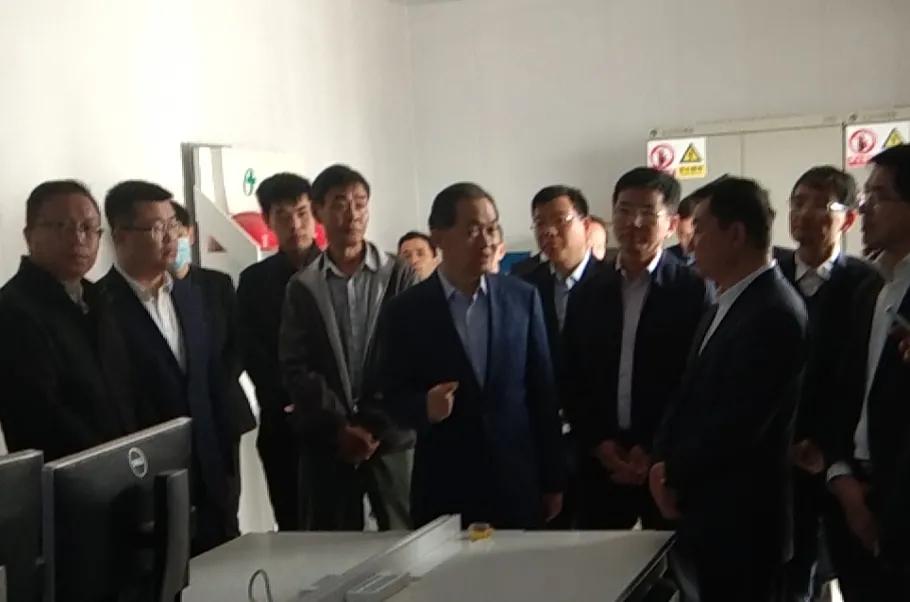 张曙光副省长带队考察正大上海崇明岛蛋鸡项目