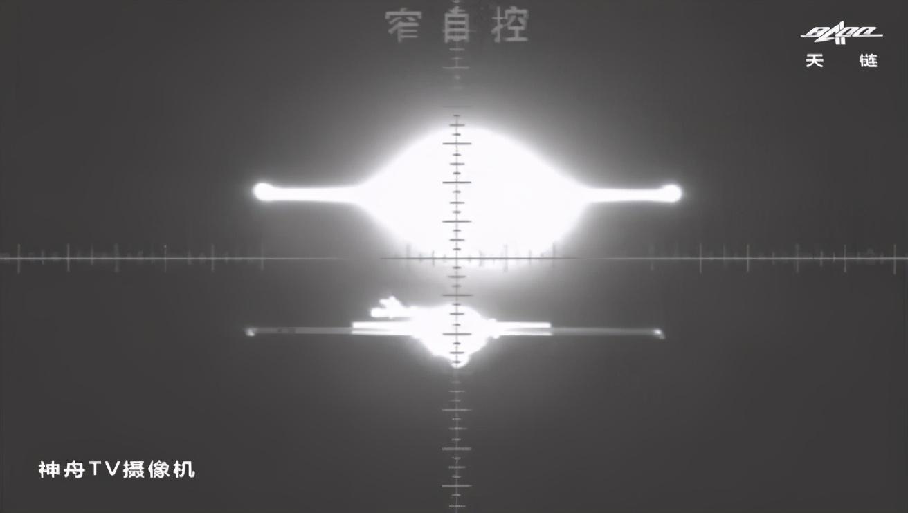 """神舟十二号看到的""""鬼影""""是什么?聂海胜为何问:哪个是真的?"""