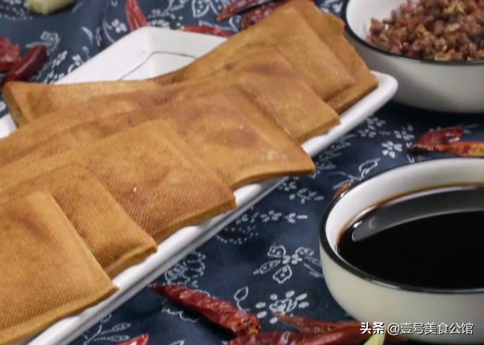 豆干这样做真好吃,简单4步就能上桌,鲜香又营养,解馋的家常菜 美食做法 第1张