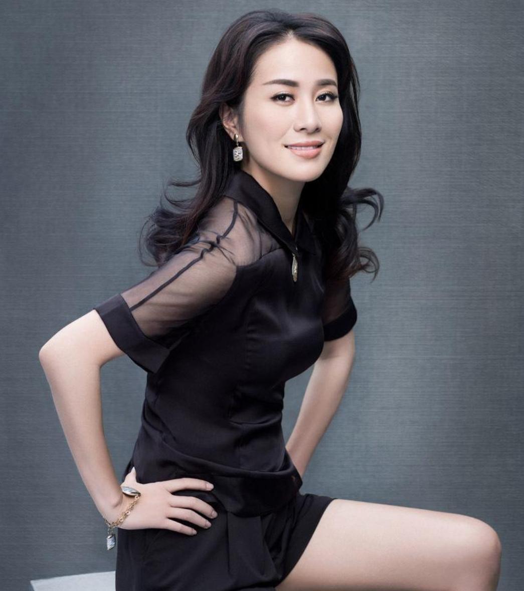 她是TVB最美女星叶璇,因医生玩手机致手术失败,如今怎么样了