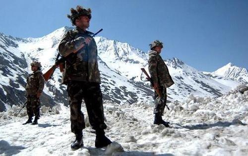 印度边境后勤保障跟不上,羡慕中国边境待遇,印度媒体开始编瞎话