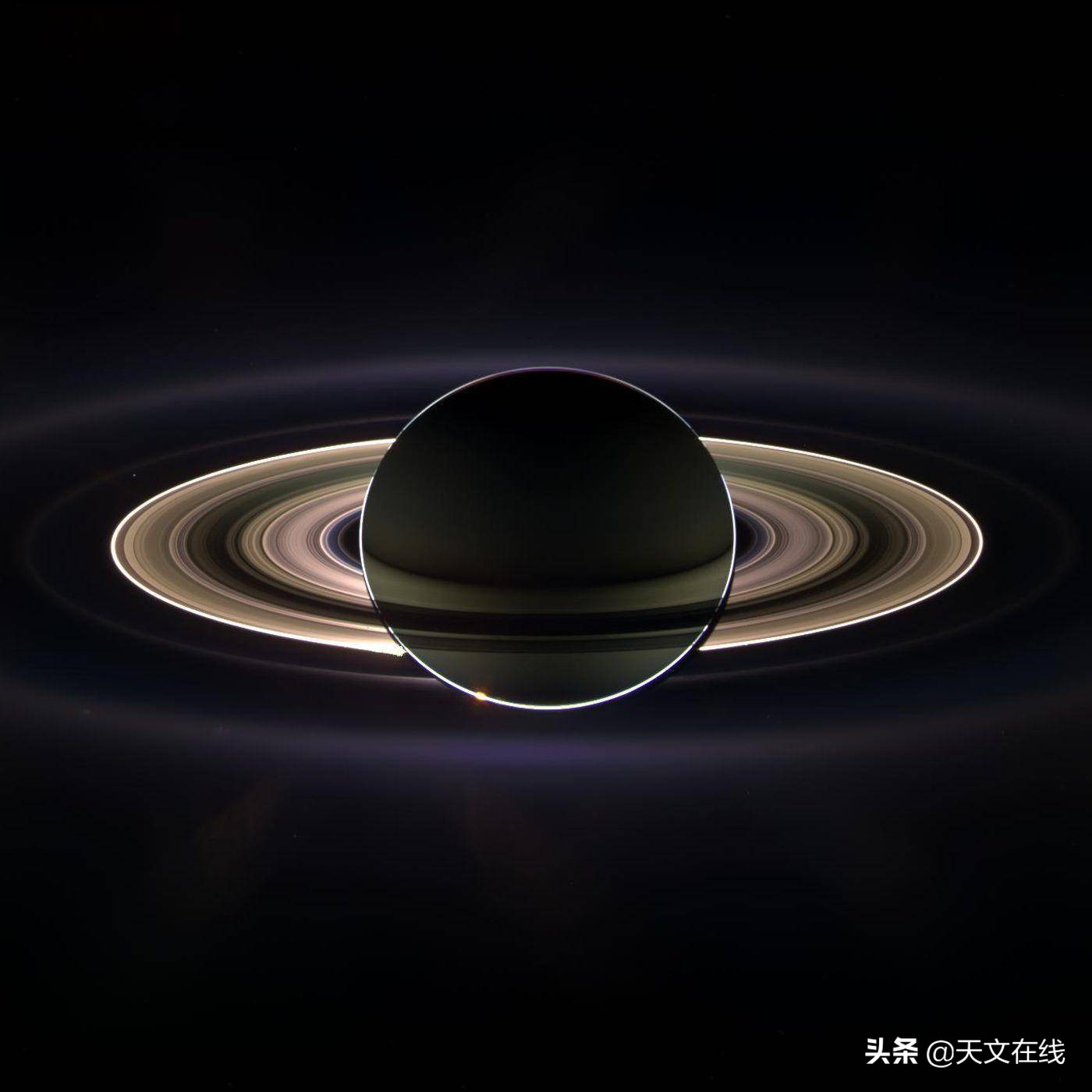土星混乱表面探测出一种新型风暴
