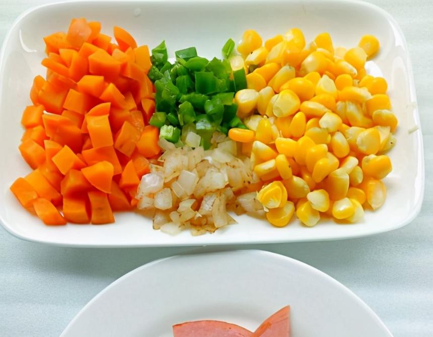 遇见菠萝别错过,便宜好吃,买回来做菠萝饭,口感丰富,全家都爱 美食做法 第4张