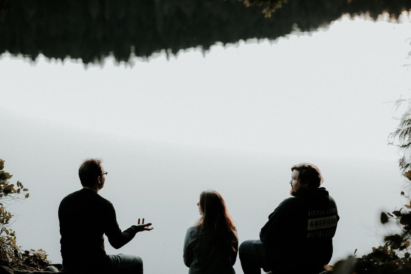 """整理你的人际关系,找到与人相处最舒服的""""姿势"""""""