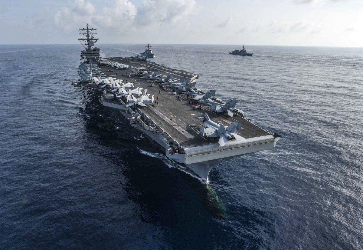 日本偷袭珍珠港,黑人厨师上阵打飞机,美国海军为他改写军规