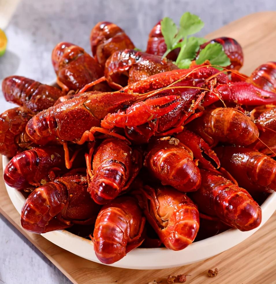 又到小龍蝦季節,有4種食物建議腎病患者盡量不要沾