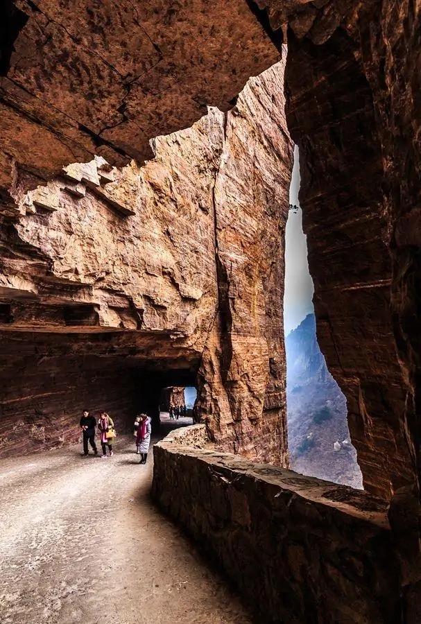 全國17個懸崖絕壁上奇觀建筑,除了樂山大佛與懸空寺:你知道幾個