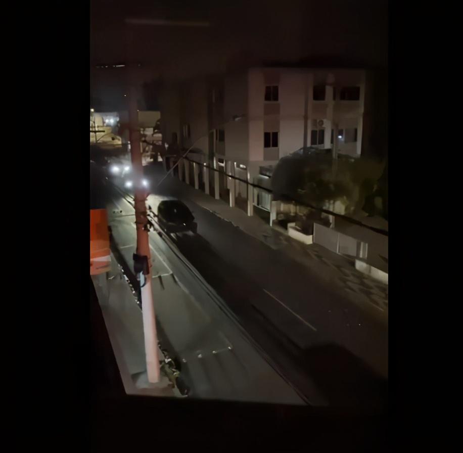 十分专业!巴西劫匪抢劫市中心银行,两小时后开车扬长而去