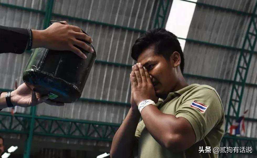 比电影还要精彩的泰国征兵现场