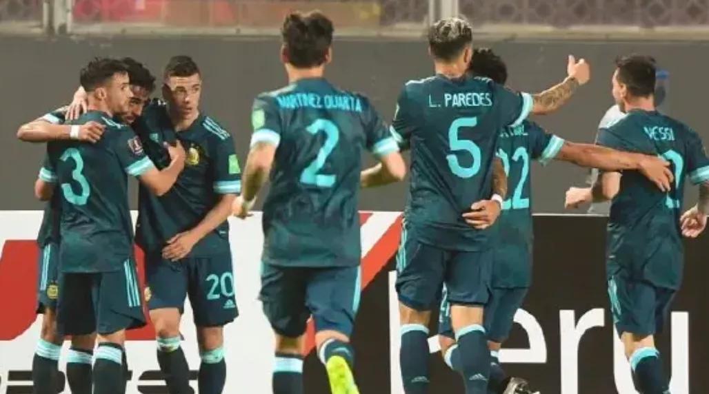 南美预选赛积分榜:三主力缺阵,巴西完胜强敌稳居首,阿根廷紧追
