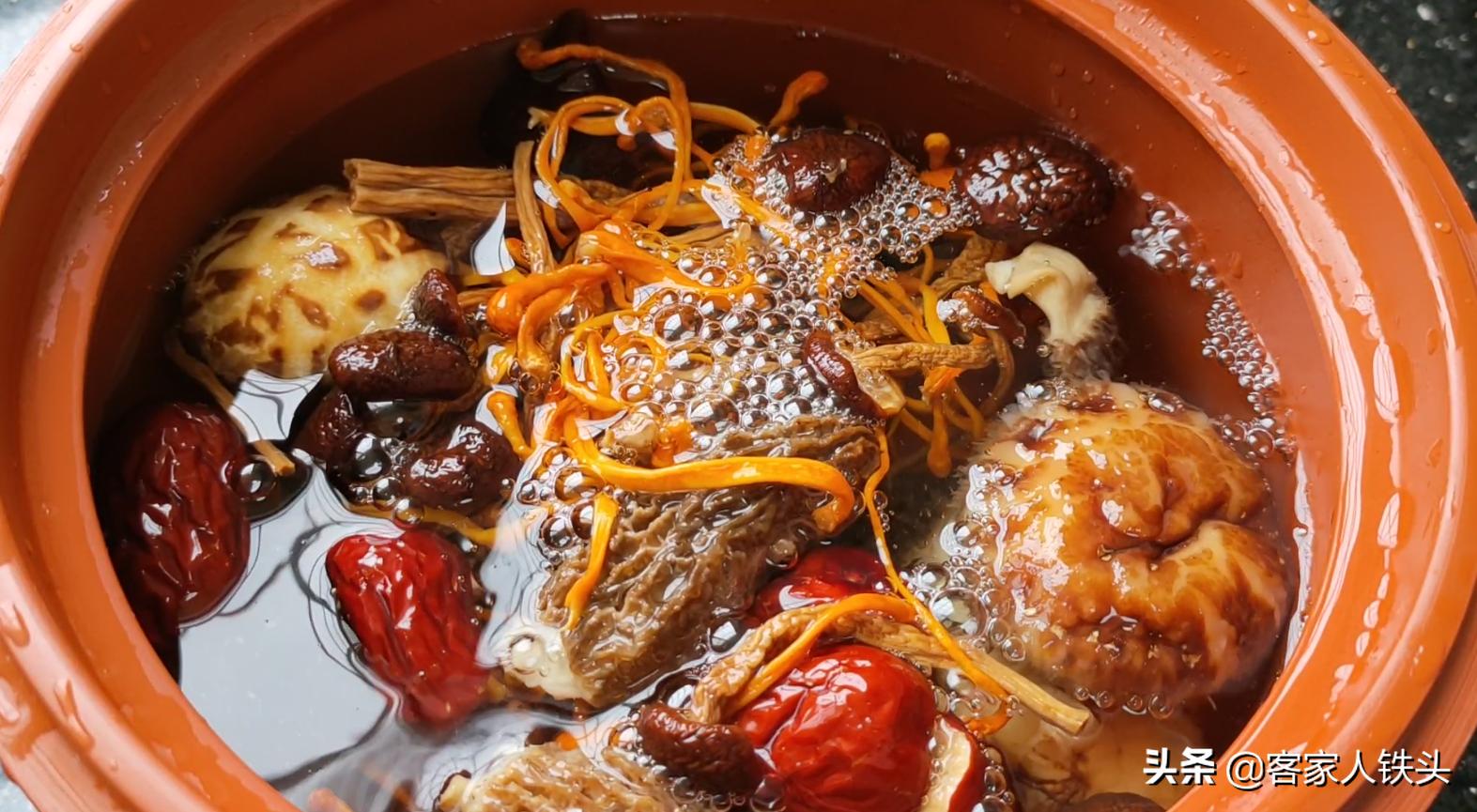 廣東人燉湯就是好喝,冬季這樣燉一鍋好喝溫補,常喝還增強免疫力