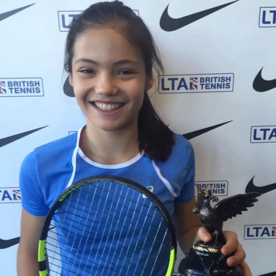 18岁华裔少女一战成名!网球大满贯的背后还有东北虎妈的功劳.