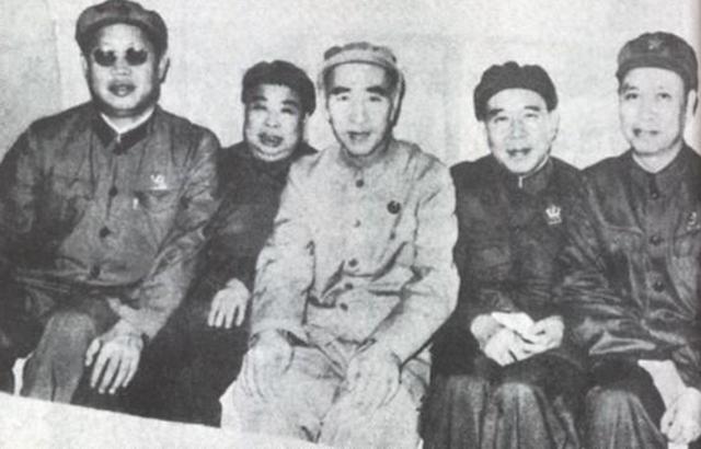 斯大林为何高看林彪?一句话表明:马奇诺防线是无用垃圾