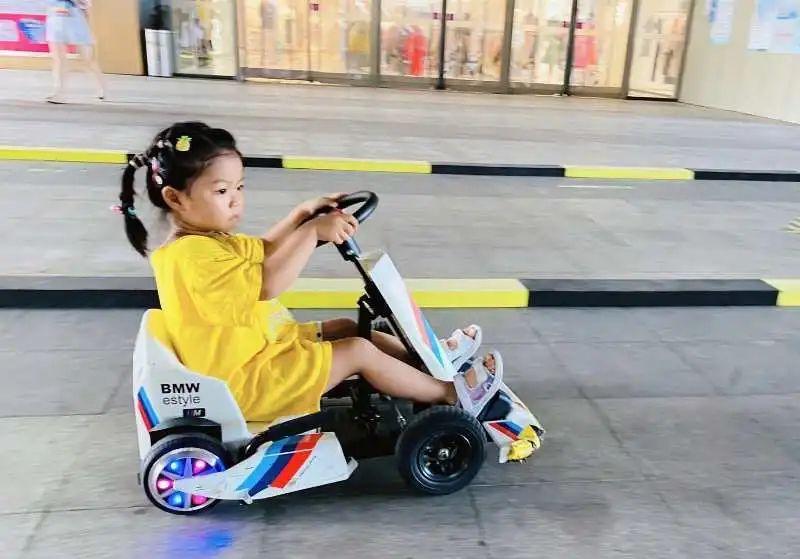 """没有驾照也能""""飙""""!火爆柳州的奇幻卡丁车来了"""