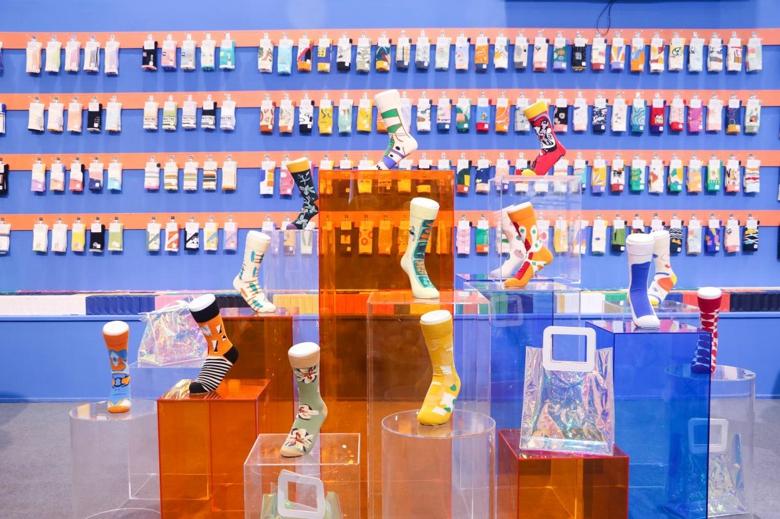 全球首发|新锐潮袜品牌PRISMIER非白调首次参展上海国际袜交会